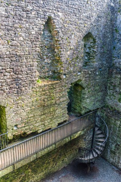 Lydford Castle photo, Looking down inside the castle