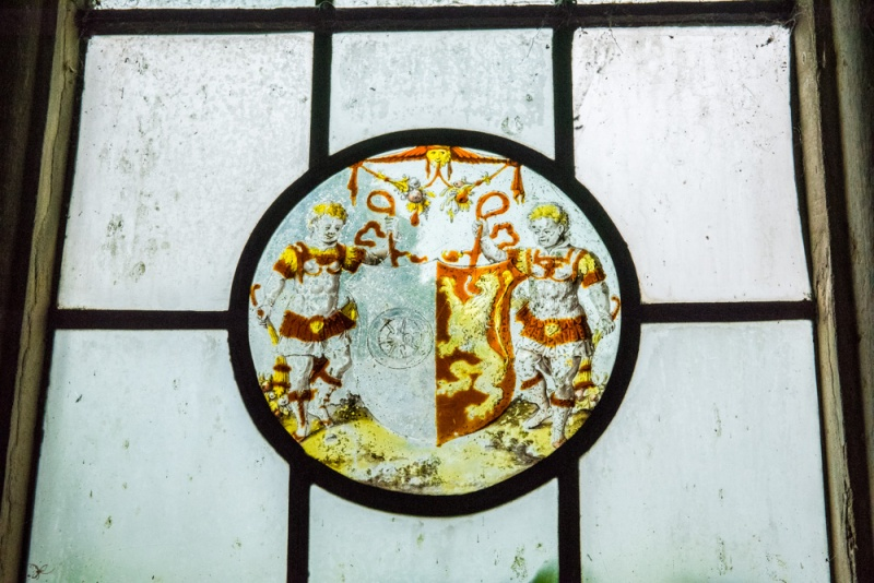 16th century heraldic glass roundel
