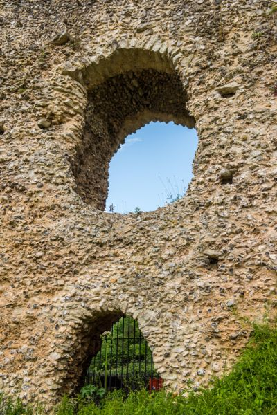 Odiham Castle photo, Window and door openings on the east side