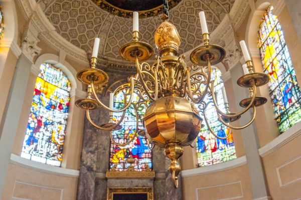 The Queen's College photo, 18th century brass chandelier in the chapel