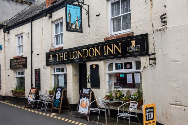 Padstow photo, The London Inn, near the harbour