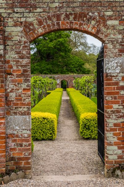 Raveningham Hall photo, Entering the walled garden