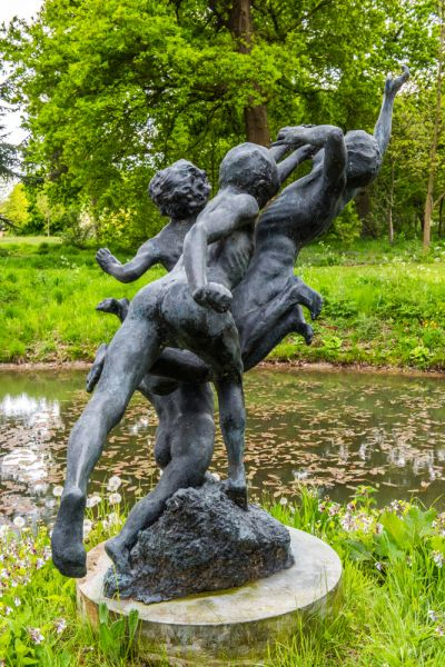 Raveningham Hall photo, A closer view of the sculpture at the Millennium Pond