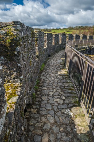 Restormel Castle photo, The parapet walk
