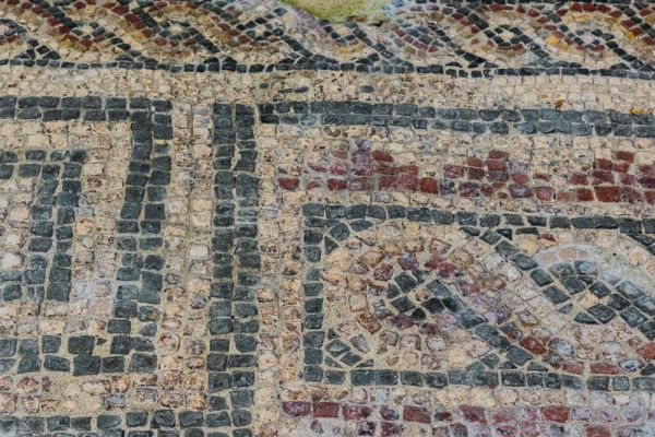 Dorchester Roman Town House photo, Mosaic floor in a geometric pattern