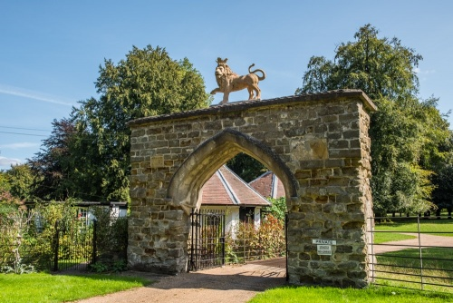 The Lion's Gate, Scrivelsby