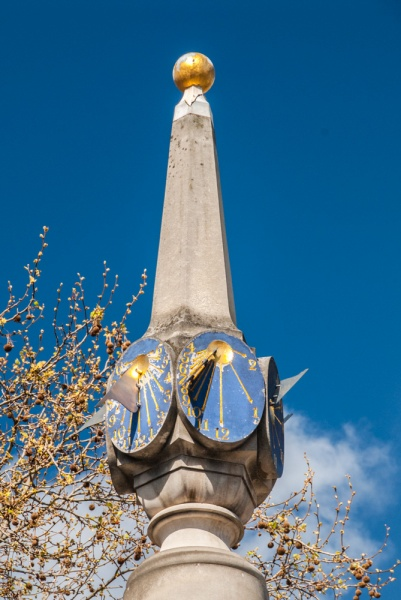 The sundials and top of the Monument