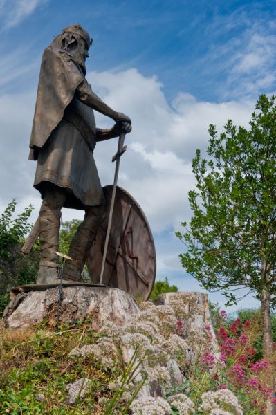 Shaftesbury Abbey Museum and Garden photo, Alfred the Great statue