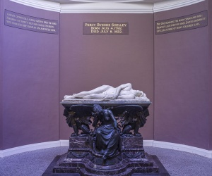 Percy Shelley memorial (c) Godot13