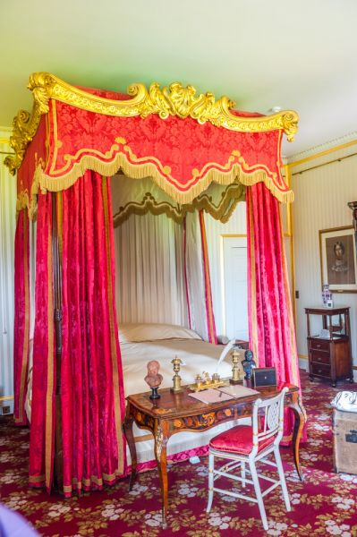 Shugborough photo, An ornate 4-poster state bed