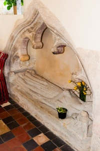 Eleanor Baynard effigy