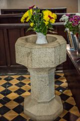 The plain octagonal font