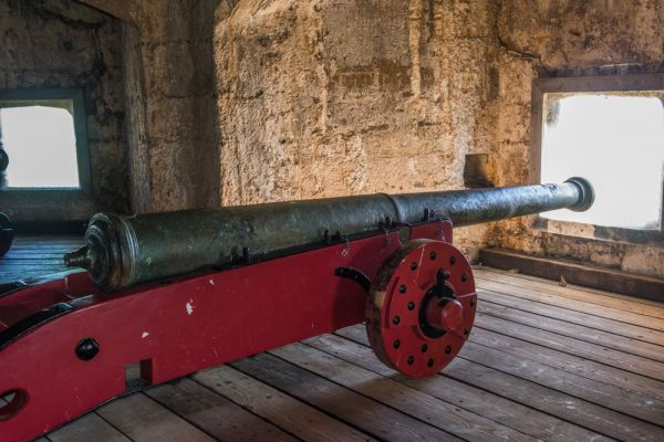 St Mawes Castle photo, The 16th century Alberghetti cannon