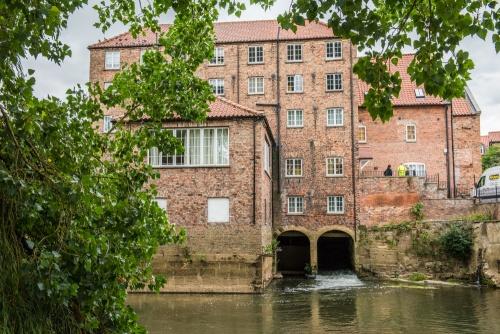 Stamford Bridge, Yorkshire | History, Photos & Visiting Information