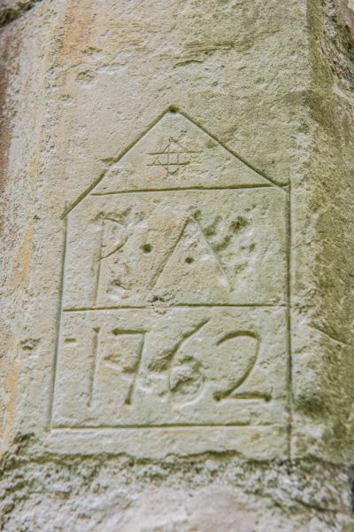 Stanton, St John's Church photo, 18th century graffiti