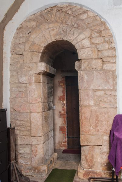 Stow Minster photo, Saxon doorway in the north transept