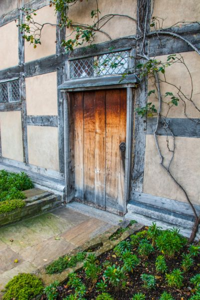 Shakespeare's Birthplace photo, The rear door and garden