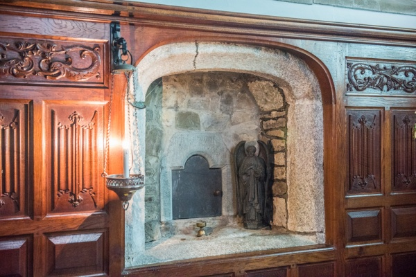 The possible Easter Sepulchre in the sanctuary
