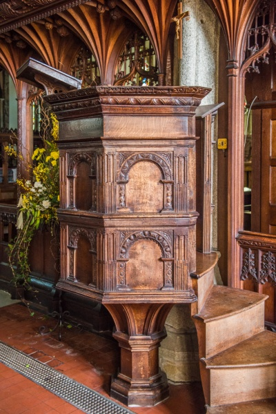 The 17th century wineglass pulpit
