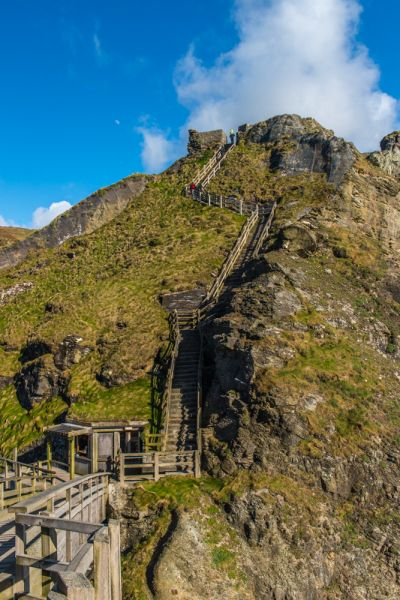 Tintagel Castle photo, Climbing to the outer ward
