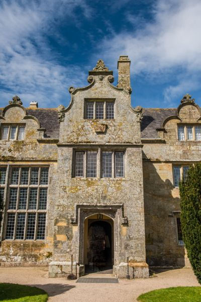 Trerice photo, The manor house entrance