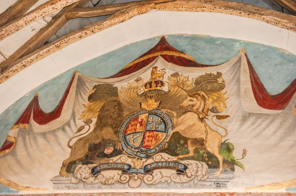 Warminghurst, Holy Sepulchre Church photo, Victorian royal coat of arms