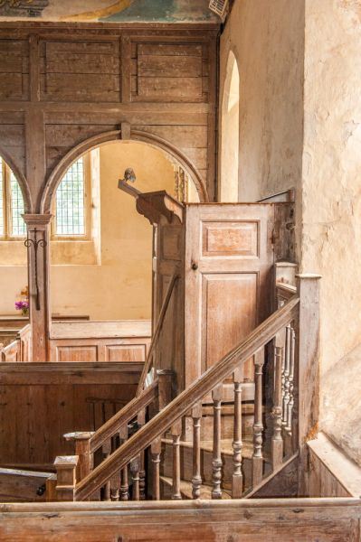 Warminghurst, Holy Sepulchre Church photo, The 18th century oak pulpit