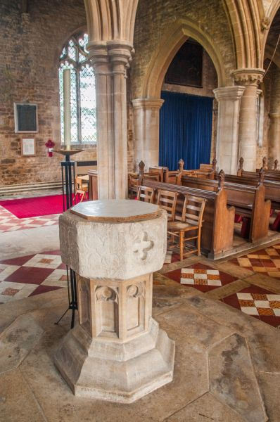 Whissendine, St Andrews Church photo, The 14th century font