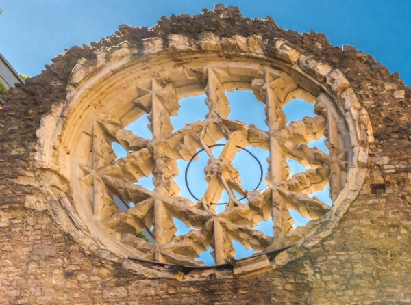 Winchester Palace rose window