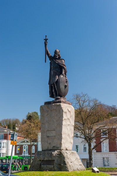 Statue of King Alfred the Great - Winchester | Historic Winchester Guide