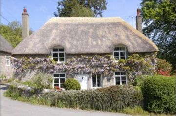 10 Beautiful Thatched Holiday Cottages in Devon