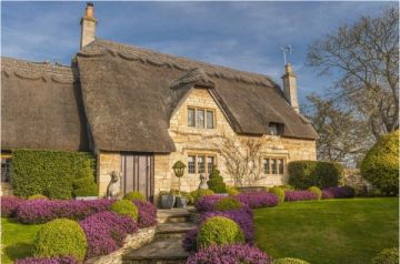 Thatched Cottage In Chipping Campden, Gloucestershire