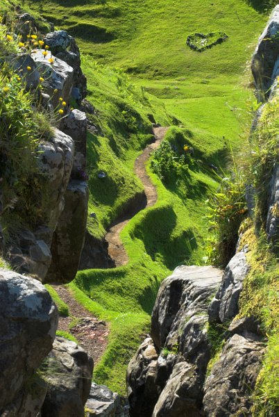 the path to castle ewen