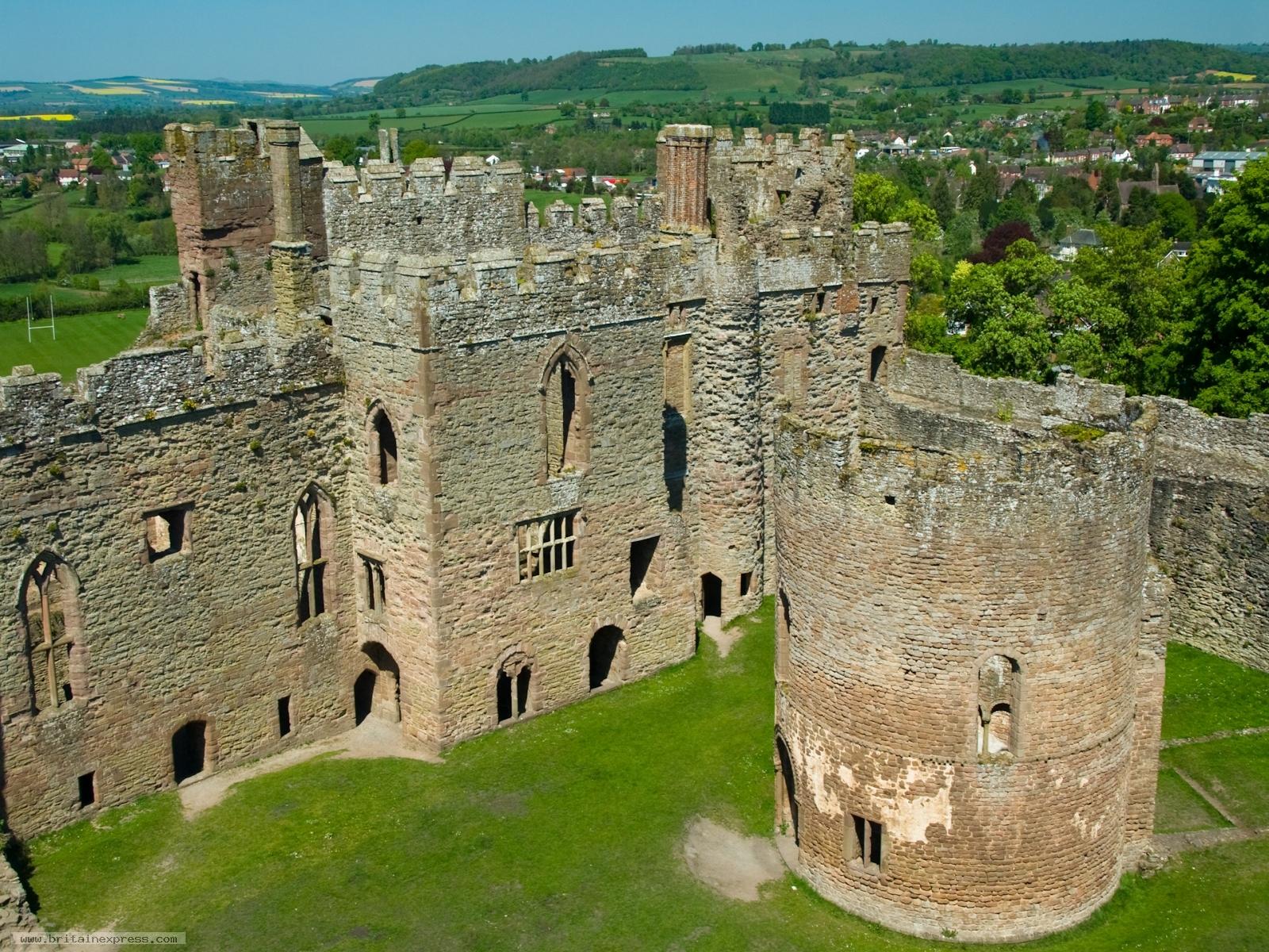 photo of ludlow castle  shropshire
