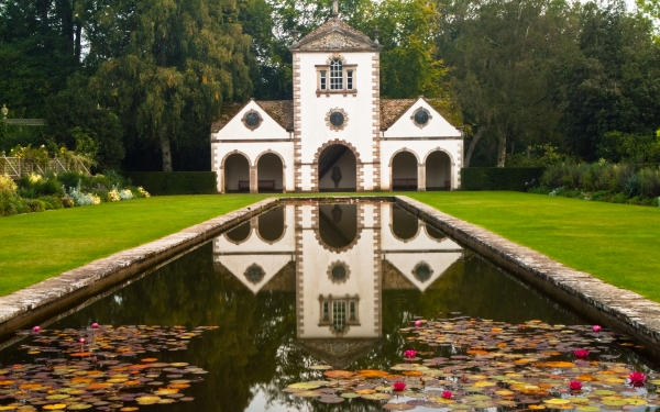 Photo of bodnant gardens conwy for Garden shed north wales