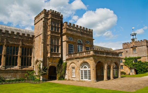 Forde Abbey, front entrance