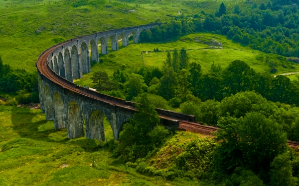 Glenfinnan Viaduct, Road to the Isles