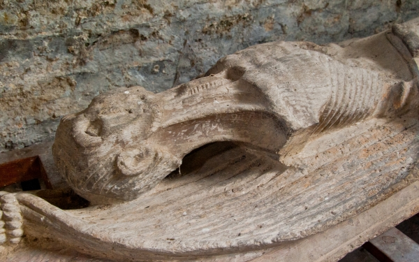 Keyston cadaver carving