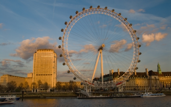 The London Eye, late afternoon