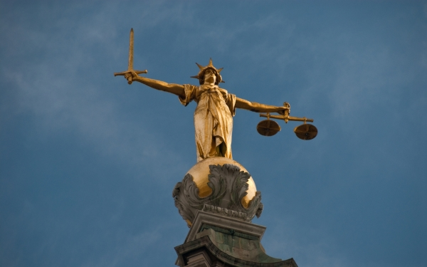 Justice statue, Old Bailey, London