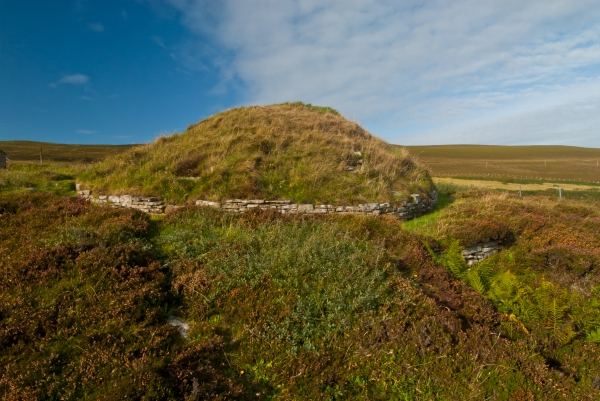 Taversoe Tuick Chambered Cairn, Rousay