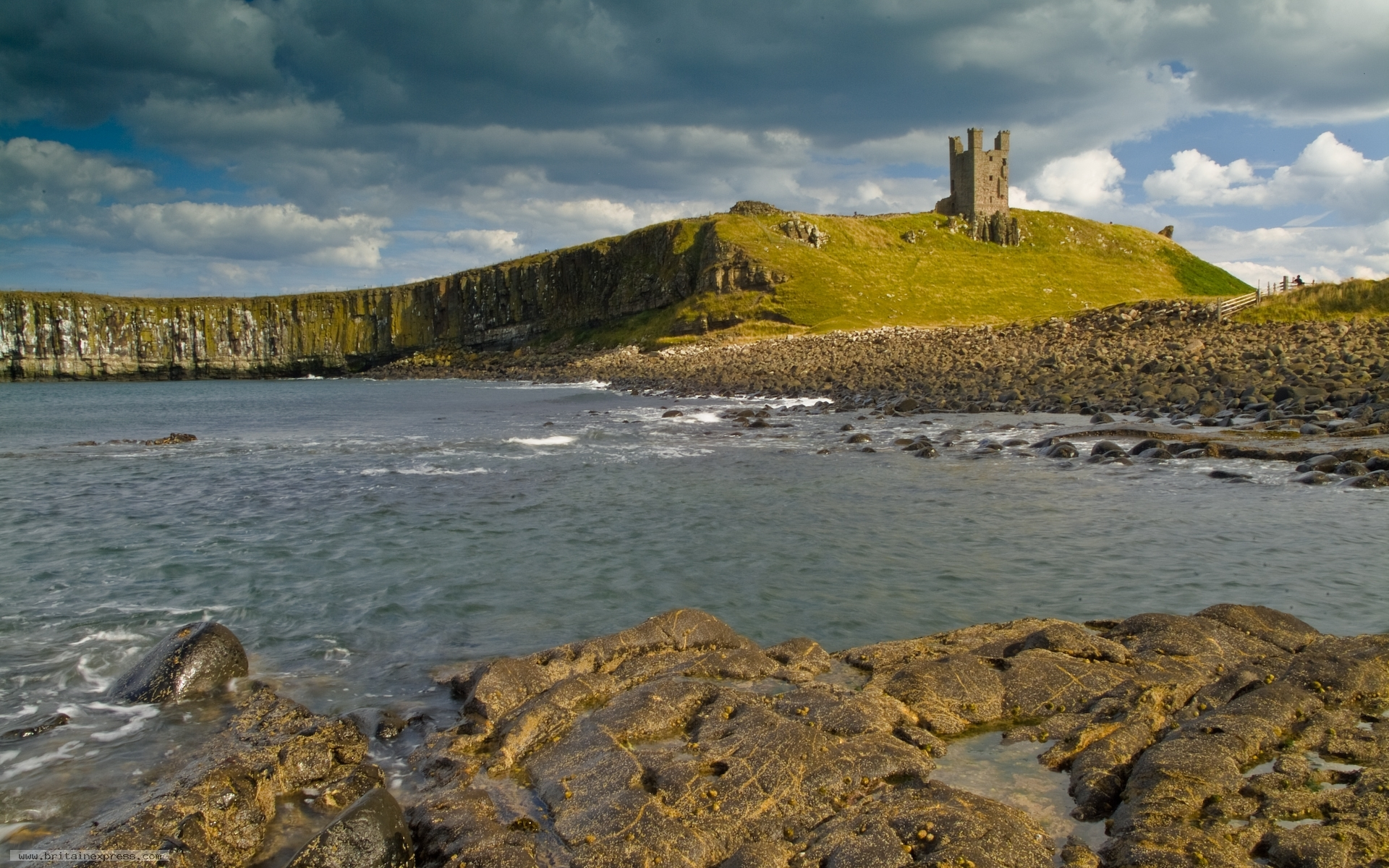 Dunstanburgh Castle Wallpaper 11165