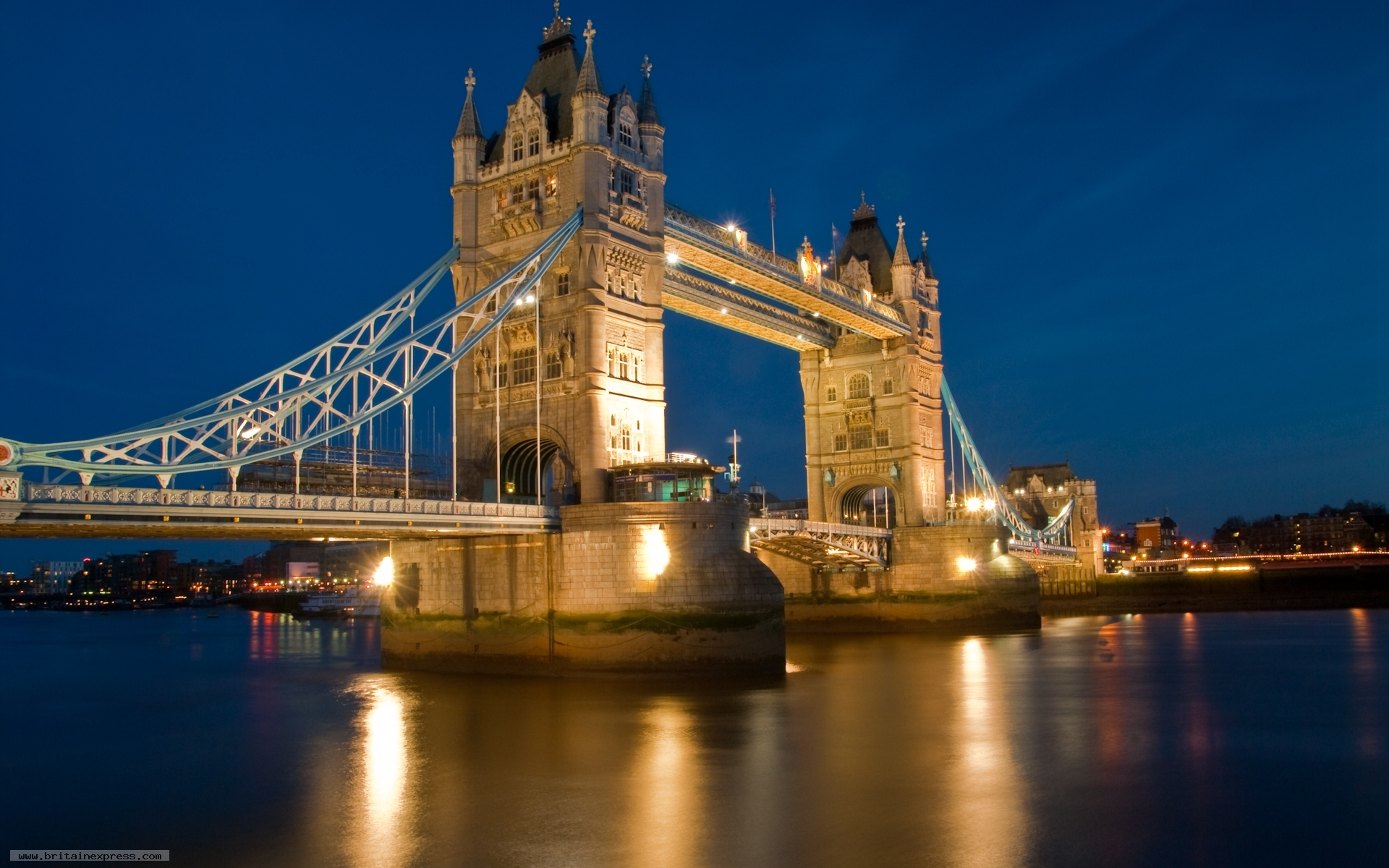 the tower bridge in england The bridge originally linked iron gate, on the north bank, with horselydown lane, on the south those roads are now known as tower bridge approach and tower bridge road, respectively.